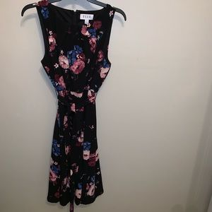 Elle floral dress with belt.